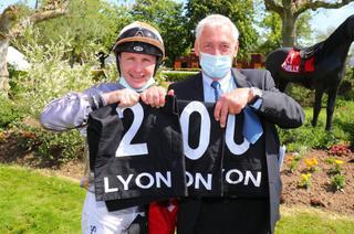 Arrivée du Quinté+ du samedi 8 mai à Lyon-Parilly : Caliste offre le 200ème événement à Stéphane Pasquier